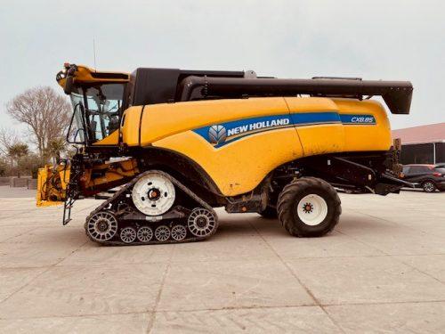 New Holland CX8.85 combine